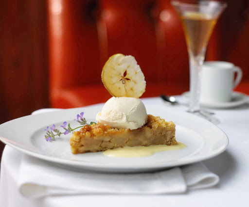 Royal-Caribbean-dining-caramel-apple-pie - Caramel apple pie à la mode, a worthy dessert to top off your day on a Royal Caribbean sailing.