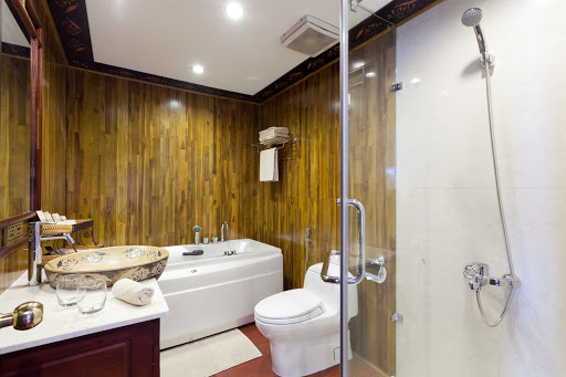 AmaLotus-Stateroom-Bathroom - Soak in the luxury bathtub of your AmaLotus stateroom during a vacation of a lifetime exploring the Mekong River.