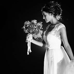 B&W Bride by Jorge Asad - Wedding Bride ( b&w, ellegance, woman, wedding, celebration, bride )
