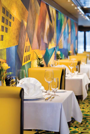 Norwegian-Jade-dining-Cagneys-Steakhouse-mural - Satisfy your craving for steak at Norwegian Jade's vintage-themed Cagney's Steakhouse.