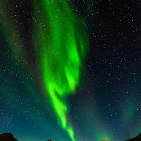 Aurora Borealis by Páll Jökull Pétursson - Landscapes Starscapes ( canon, green, aurora borealis, camera, norðurljós, nótt, canoneos5dmkii, iceland, eos, 2012, grænn, ísland, norðurland, night, 5dmkii, longexposure, starscape, ljós,  )