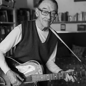 My dad, 90 years of age. by Claes Wåhlin - People Family ( dad, musiscian, far, guitar, erik wåhlin,  )