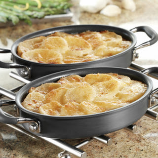 Scalloped Potatoes with Cheddar Cheese
