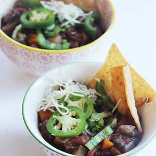 Black Bean Chili Nachos #SundaySupper.