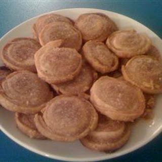 Piggies (Sugar and Cinnamon Pie Dough Cookies).