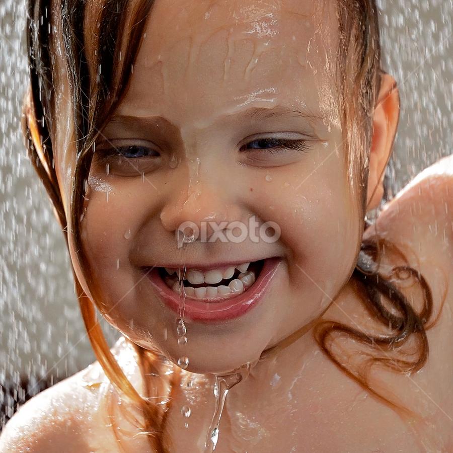 Soaking wet by Lucia STA - Babies & Children Children Candids ( KidsOfSummer )