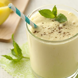 Mango Greek Yogurt Smoothie.