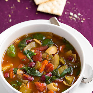 Olive Garden Copycat Minestrone Soup {Slow Cooker}