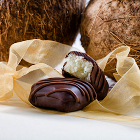 by Dejan Stanic - Food & Drink Candy & Dessert ( coconut, sweets, chocolate candy, delicious, homemade, chocolate bar, tasty, bounty, candy, dark chocolate, food, coconut filling, milky, dessert, treat, sweet )