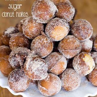 10 Minute Baked Cinnamon Sugar Donut Holes