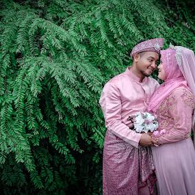 Malaysian Wedding by Mohd hafizan Ilias - Wedding Bride & Groom ( malay wedding, wedding photography, wedding photographers, malaysia traditonal wedding, malaysia, malaysian wedding )