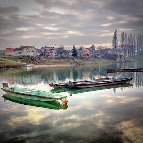 River Kupa in my <3 by Oliver Švob - Instagram & Mobile Android ( sony, sony xperia, europe, karlovac, river kupa, boats, snapshot by malioli delete, croatia, river boat, boat, river, , Lighting, moods, mood lighting, Urban, City, Lifestyle )