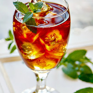 Sweet Tea With Vodka & Fresh Mint.