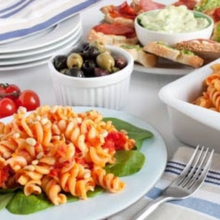 Roasted Pepper Pasta With Garlic Bread Tapas.