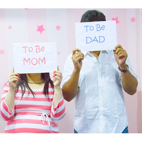 Mom Dad To be by Shrey Chohan - People Maternity ( love, maternity, couple, happiness, candid, baby, photography, mom )