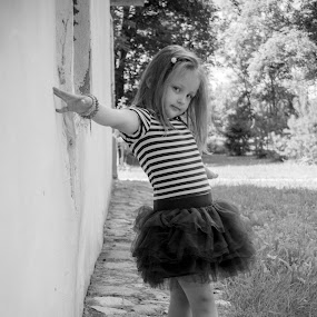 Superstar  by Nerijus Savičius - Babies & Children Child Portraits ( fashion, funny, kids, smile )