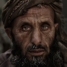 Abu Sabaya by Leyon Albeza - People Portraits of Men ( urban, street, portrait )