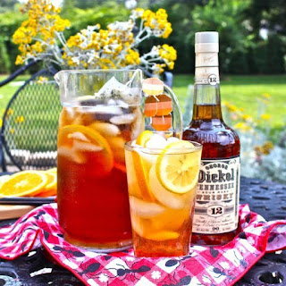 Sparkling Sweet Tea Cocktail.