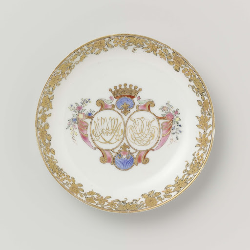 Saucer from the 'Swellengrebel service' with a double crowned monogram and a border with floral scrolls