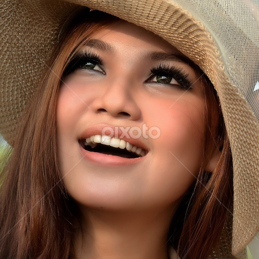 Shan Shan by Aloysius Bayu Rendra Wardhana - People Portraits of Women
