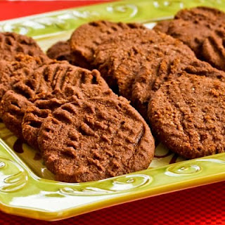 Flourless and Low-Sugar (or Sugar-Free) Chocolate Shortbread Cookies.