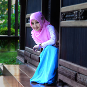 hijab with love by Ajoenk Photohunt - People Portraits of Women