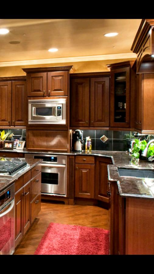 Kitchen design simulator job simulator 28 kitchen cabinet for Kitchen cabinet design app