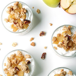 Apple Pie Greek Yogurt Parfaits