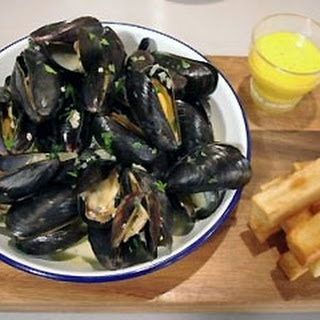 Mussels With Chunky Chips