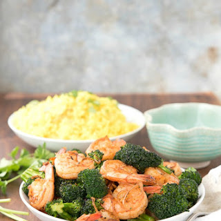 Spicy Garlic Sriracha Shrimp and Broccoli Stir Fry