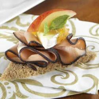 KRETSCHMAR® Black Forest Turkey and Apple Chutney Toast Points