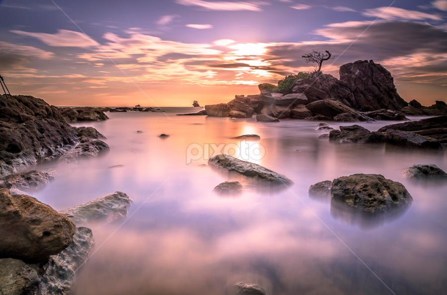 Bonzai Layang-Layangan, Labuan. by Daimasala Abdullah - Landscapes Waterscapes