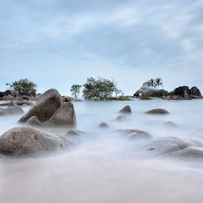Weekend Pulau Kelapa II Temajuk by Eris Suhendra - Landscapes Waterscapes (  )