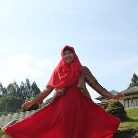 pink by Alvi Eko Pratama - People Fashion ( modern, fashion, model, hijab, people )
