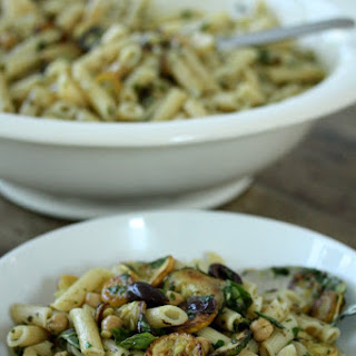 Penne Pasta Salad with Zucchini, Chickpeas and Olives.