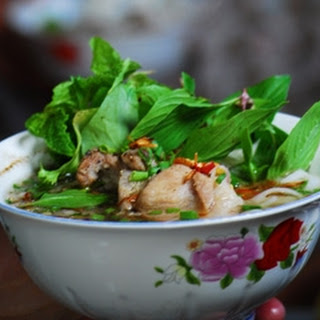 Pork Rib Broth With Soft Rice Noodles