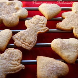 Butter and Cinnamon Christmas Cookies.