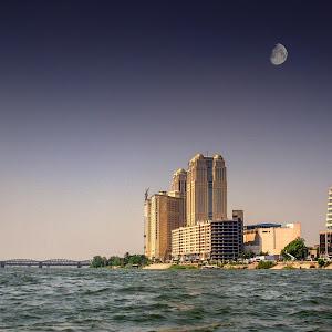 Moon over Cairo.jpg