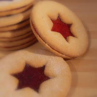 *Linzer Cookies*.