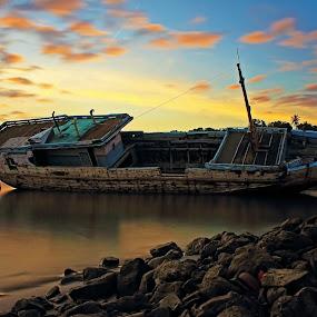 Perahu Perikanan by Azay Boyan - Transportation Boats