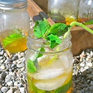 Queen's Rum Shaker Cocktail.