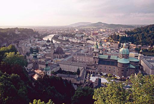 salzburg-oesterreich - Salzburg Cathedral in Austria.