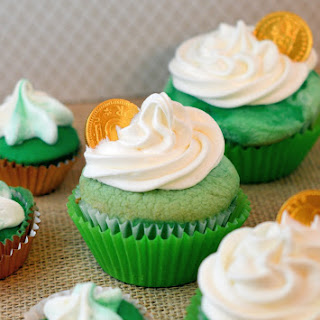 St. Patrick's Day Ombre Cupcakes.