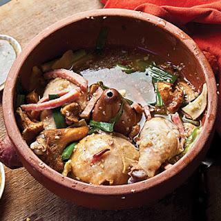 Jiyou Jun Bao Ji (Clay-Pot Chicken with Chanterelles)