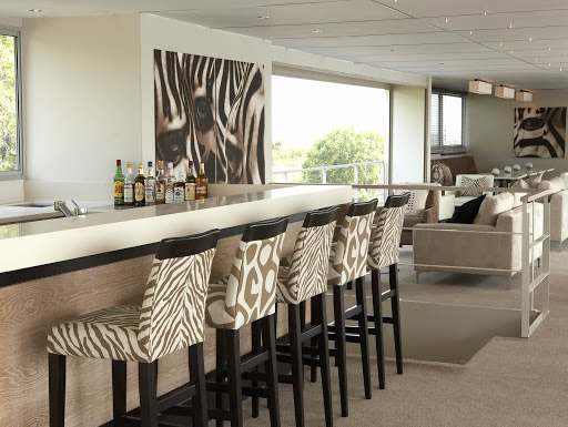 Zambezi-Queen-Lounge-Bar - The lounge and bar aboard the Zambezi Queen.