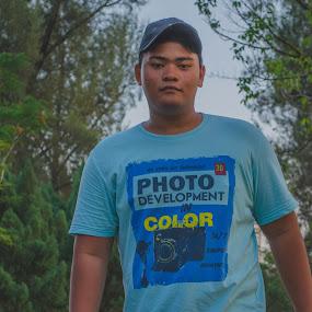 Walking by Mohammad Hisham Abd Zamhuri - People Portraits of Men
