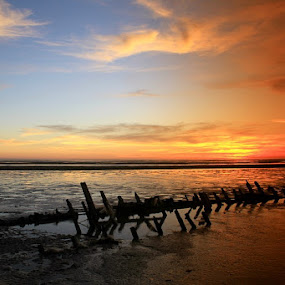 Sunset time by Edwin Yepese - Landscapes Sunsets & Sunrises ( sunsets & sunrise, backgrounds, landscape )