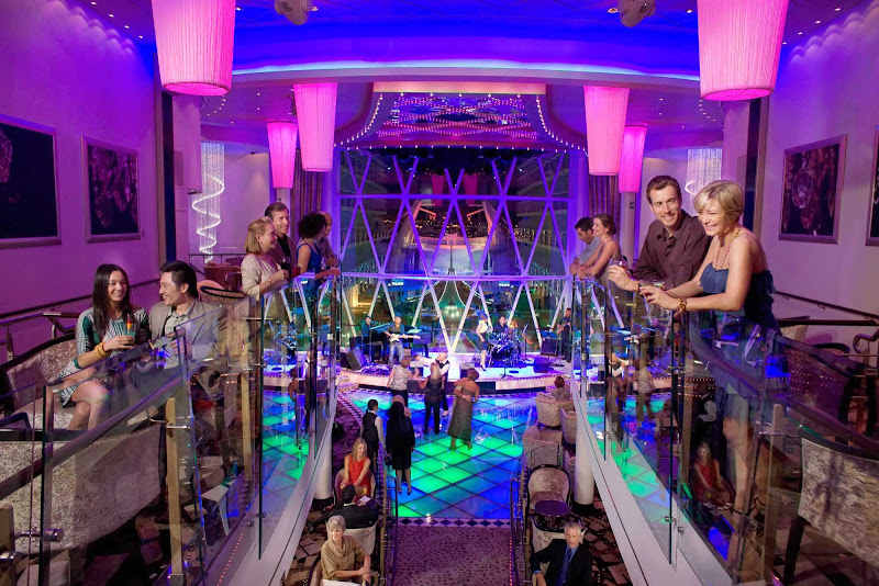 Dazzles aboard Oasis of the Seas is a cozy bar and dance lounge that is three decks long and offers great views of the Boardwalk.