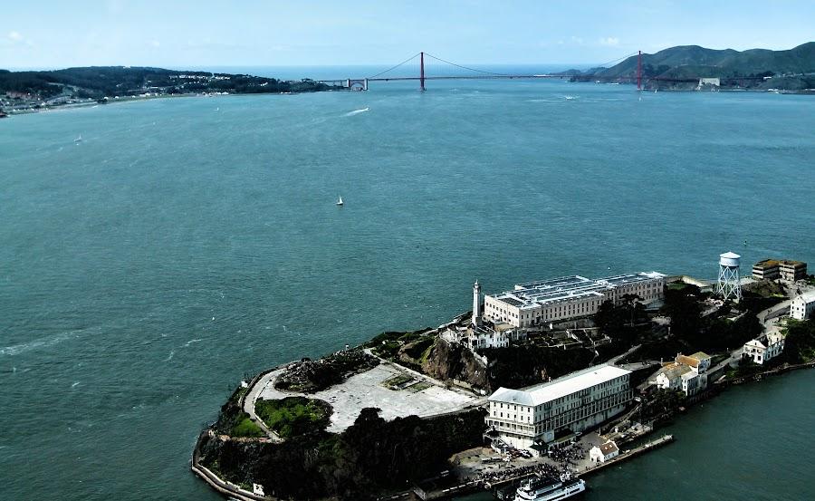 Alcatraz & Golden Gate Meet by Erin Chen - Novices Only Landscapes ( golden gate bridge, ocean, alcatraz, beauty, seascape, landscape, san francisco, city )