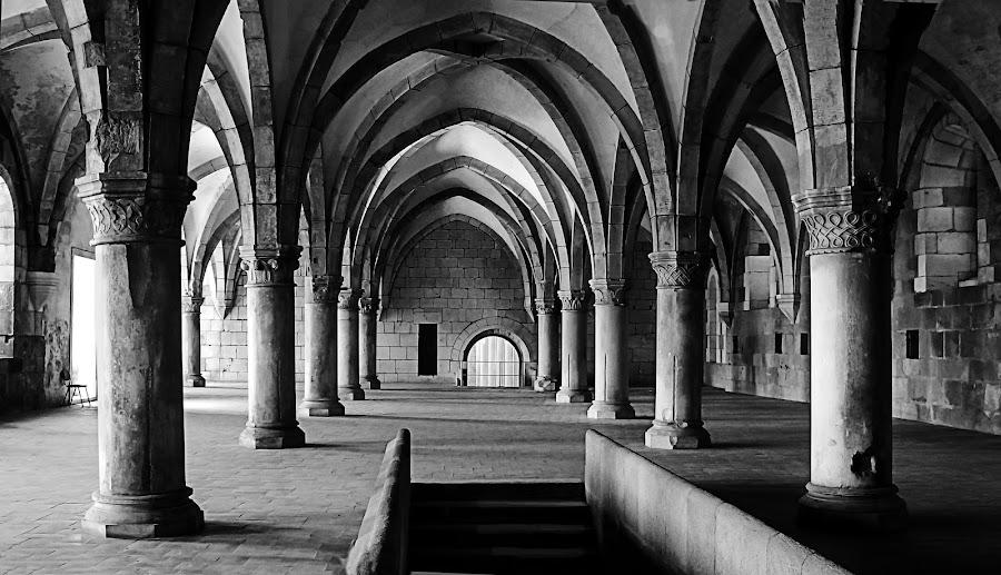 by Giampaolo Creazza - Black & White Buildings & Architecture ( portogallo,  )